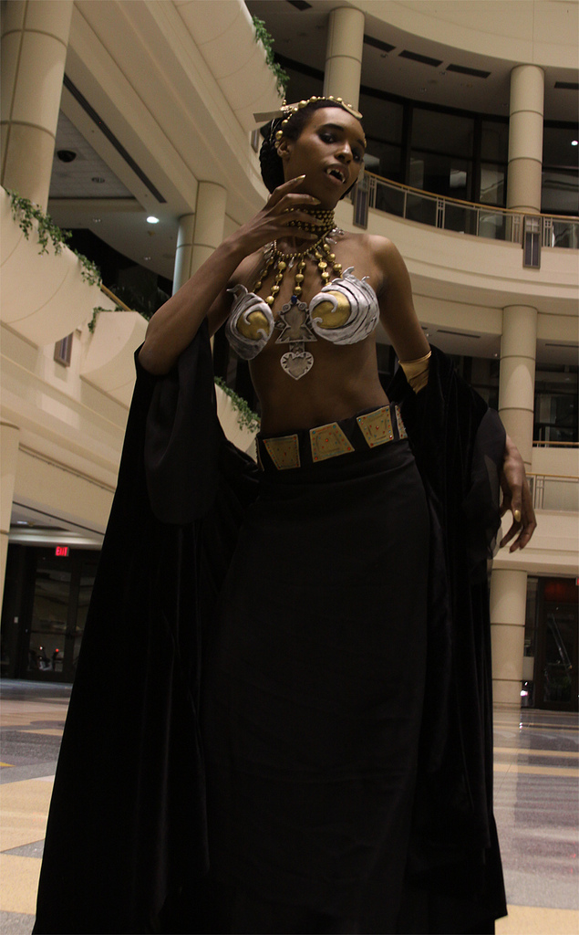 the damned of cosplay Queen
